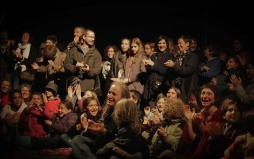 cropped-Festival-Le-Village-à-Bascule-2014-Public-24-800x494.jpg