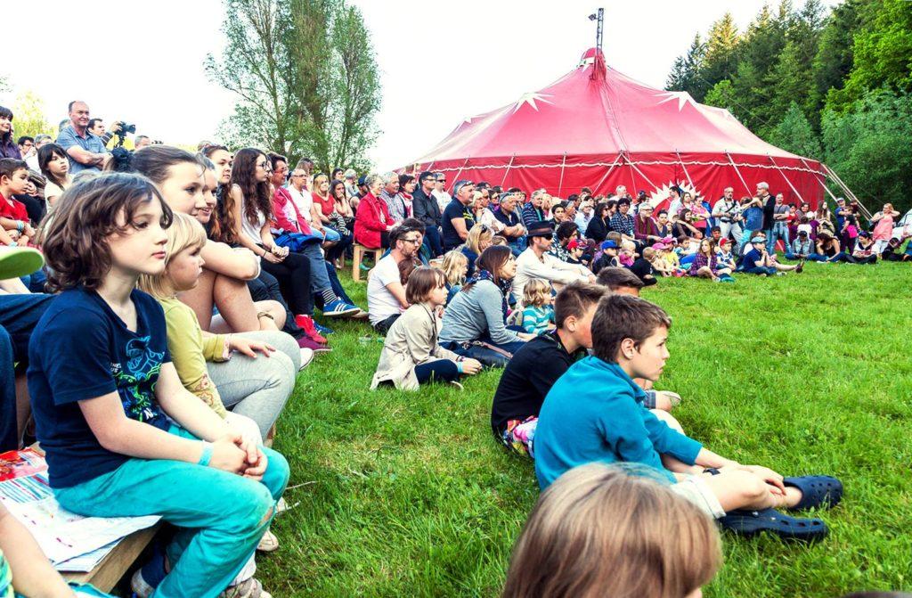 festival-le-village-a-bascule